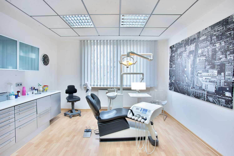 Zahnarzt Minden Behandlungsraum Dr. Bartmann